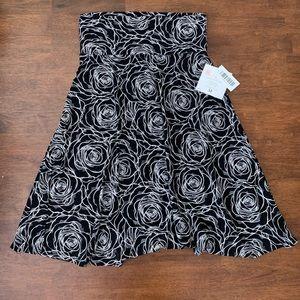 LuLaRoe NWT M Azure Mid-Length Skirt